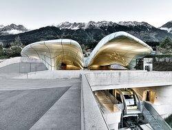 Die Stationen der Innsbrucker Nordkettenbahnen sind architektonische Meisterwerke.