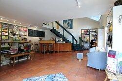 Concept Store mit Kaffee & Wein Bar