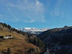 #moieciudesus #bucegi  www.holatransylvania.com  #holatransylvania#Rumania#Transilvania#senderismo#senderismodemontaña#hiking#hikingadventures#trekking#drumetie#mountains#excursion#daytour#montaña#tradicion#Carpatos#dracula#draculascastle#tradiciones#alojamientosrurales#dayTours#Transylvania#Carpathians#mountain#Romania#romania