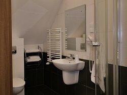 Hotel Walcerek - łazienka przy pokoju premium