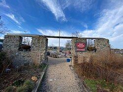 Linvilla Orchards Beer Garden entrance