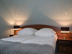 Hotel Walcerek - pokój de lux - sypialnia
