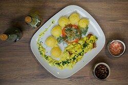 Hotel Walcerek - polędwiczki wieprzowe w sosie kurkowym z ziemniakami