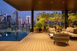 Horizon Pool Bar 18th Floor