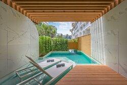 Pool Access Suite - Semi Plunge Pool
