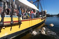 波士顿茶党船舰及博物馆