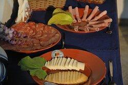 Pequeno Almoço com produtos regionais