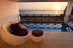 Priceless view of the sunset by our suite's private dipping pool.