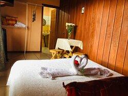 Room #2 - Habitción #2