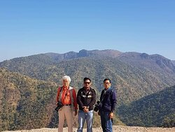 My Traveler from South Korea ..We went to Inle lake - Bagan - Golden Rock - Madalay - Sagaing with my South Korea photographers. The trip took seven days.  The travelers were very kind and I was glad it was a fun trip.Thank yo so much for used to my tourmyanmardriver serives.. 🙏🙏🙏