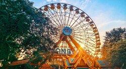 Nikmati hari yang menyenangkan dengan berkunjung ke Dunia Fantasi, taman hiburan pertama di Indonesia yang terletak di Ancol, Jakarta. Dengan 26 wahana luar ruangan dan 4 wahana dalam ruangan, Anda bisa memilih aktivitas yang mendebarkan, memacu adrenalin, atau bahkan sesuatu yang santai. Jangan lewatkan kesempatan untuk mencoba wahana-wahana legendaris seperti Turangga-rangga, Halilintar, Niagara, dan masih banyak lagi.  Kunjungi juga : https://aktiran.blogspot.com