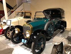 This Biddle car from 1920s was originally built locally. Ever heard of Bailey, Banks and Biddle? Yes, that Biddle.