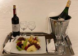 Room Service)