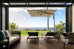 Oceanfront Lani Guest Room - Lanai