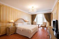 King Royal Suite