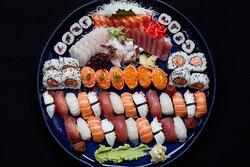Living Lounge Bar & Sushi