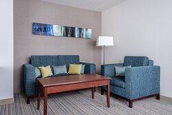 One-Bedroom Leo Suite - Living Area