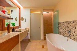 Royal Beach Club Bathroom