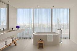 Premier Terrace Suite - Bathroom