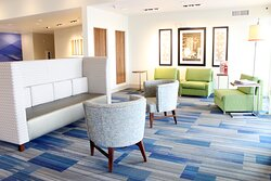 Hotel Lobby in Moses Lake Holiday Inn Express & Suites