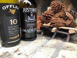 Vinho do Porto e Vinho da Madeira ambientados com fogo de lareira pra finalizar tardes na Serra Gaúcha