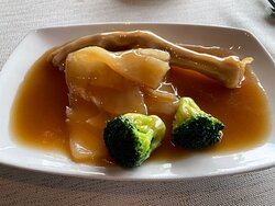 Braised Fish Maw with Goose Web in Oyster Sauce