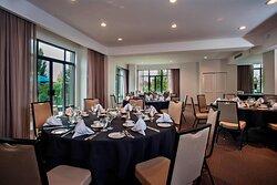 Songhees Suite Meeting Room - Banquet Setup