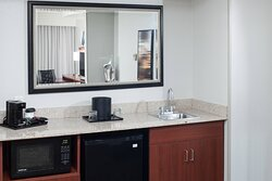 One-Bedroom King Suite Amenities