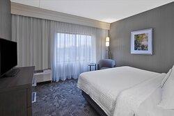 One-Bedroom Executive Suite - King Bedroom
