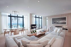 Amplified Penthouse Suite - Living and Dining