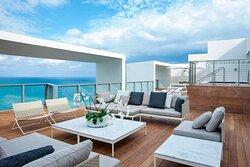 Amplified Penthouse Suite - Terrace