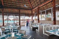 Sea & Stones Restaurant