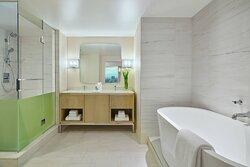 One-Bedroom Suite - Master Bathroom
