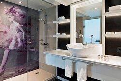 Renaissance Suite - Bathroom