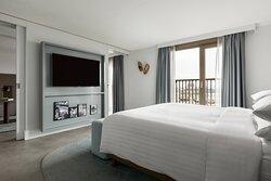 Balcony Suite - Bedroom