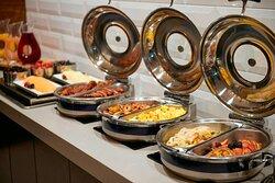 M Club - Breakfast Buffet