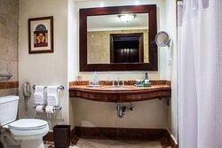 Double/Double Guest Room - Bathroom