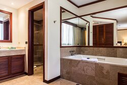 Conference Suite - Bathroom
