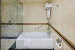 Ambassador Suite - Bathroom