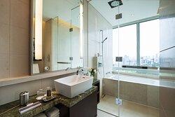 Three-Bedroom Penthouse Suite - Bathroom