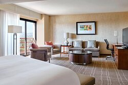King Executive Guest Room – Santa Monica View