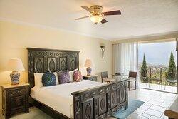 Master Suite - King Bedroom