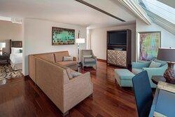 Executive Level Suite - Living Area