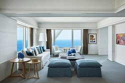 Mediterranean Suite Lounge