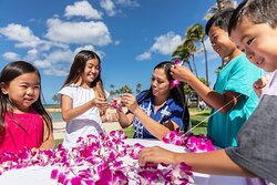 Orchid Lei Making