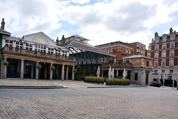 Covent Garden, London:  the piazza and market halls
