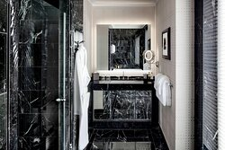 Ebersol Suite - Master Bathroom