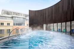 One Spa's Rooftop Hydropool