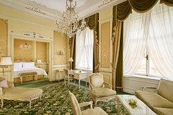 Maria Theresia King Suite - Living Room