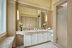 Maria Theresia Suite - Bathroom